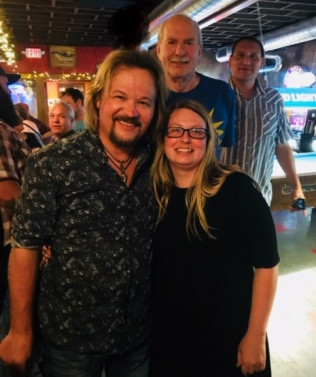 Surprise Visit from Travis Tritt!